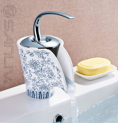 Single Handle Waterfall Ceramic Lavatory Faucet 28502