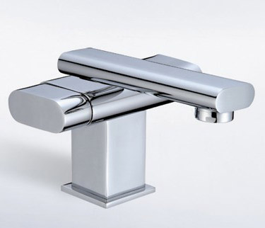single hole two handle lavatory faucet